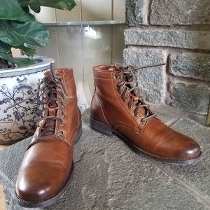 Frye Tyler lace up boots